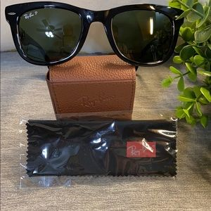 Ray-Ban Polarized Folding Wayfarer